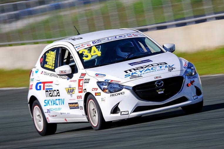 racing-mazda-2-main01.jpg